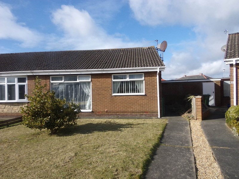 2 Bedrooms Bungalow for sale in Chester Grove, Seghill, Cramlington, Northumberland, NE23 7TR