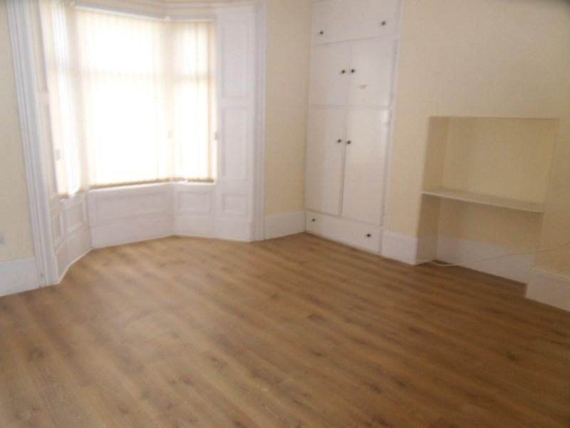 2 Bedrooms Property for sale in Dean Road, chichester, South Shields, Tyne & Wear, NE33 4AZ