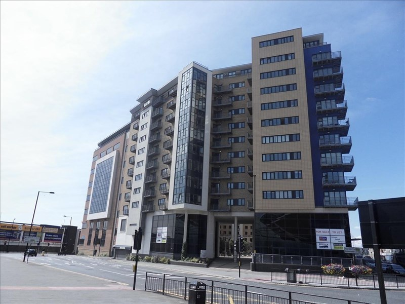 2 Bedrooms Apartment Flat for sale in Apartment 1006, The Bar, Newcastle upon Tyne, Tyne & Wear, NE1 4BB