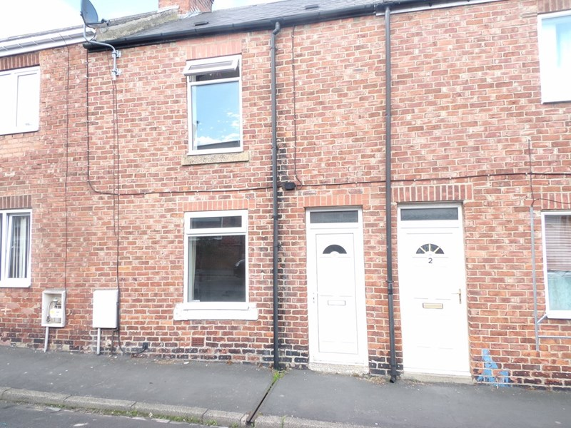 2 Bedrooms Property for sale in Queen Street, Grange Villa, Chester Le Street, Durham, DH2 3LT
