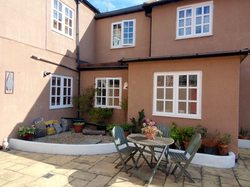 1 Bedroom Property for sale in 10-12 Staithes Lane, Morpeth, Morpeth, Northumberland, NE61 1TD
