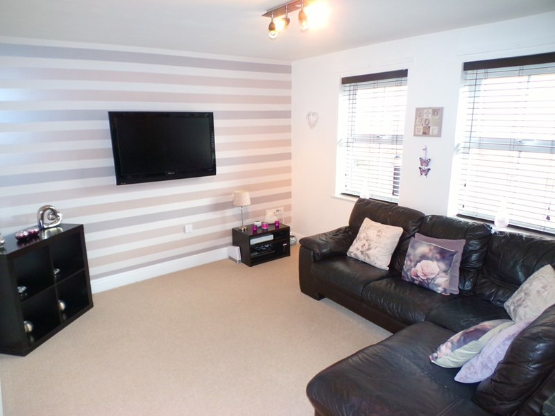 2 Bedrooms Apartment Flat for sale in Sandringham Court, Chester Le Street, Chester Le Street, Durham, DH3 3SQ
