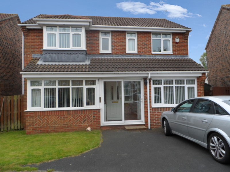 3 Bedrooms Property for sale in Wheatfields, Seaton Delaval, Whitley Bay, Northumberland, NE25 0PZ