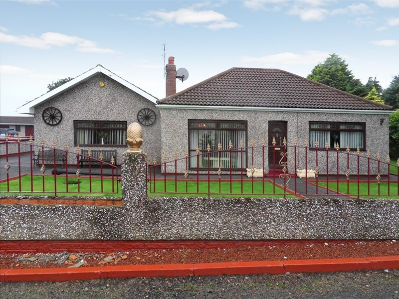 3 Bedrooms Bungalow for sale in East View, Station Town, Wingate, Durham, TS28 5ED