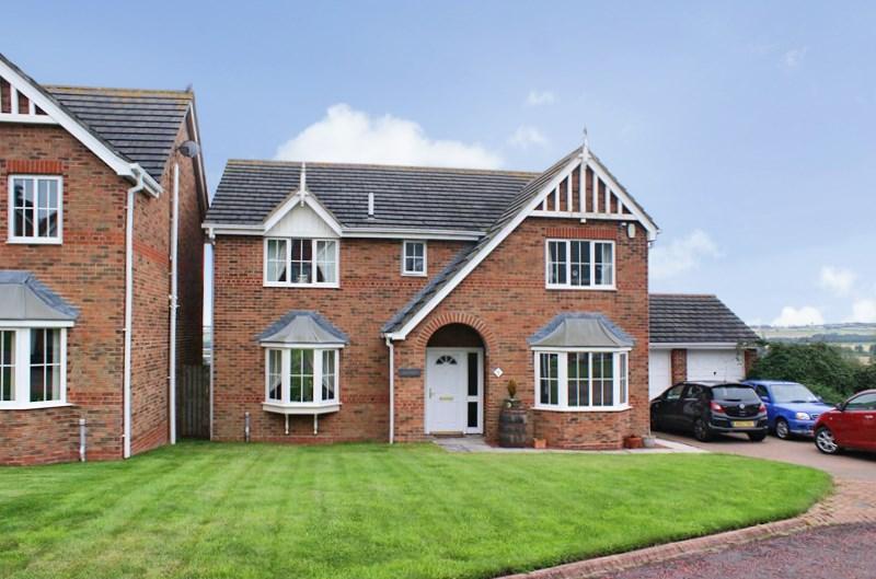 5 Bedrooms Property for sale in Aydon View, Alnwick, Alnwick, Northumberland, NE66 1BF