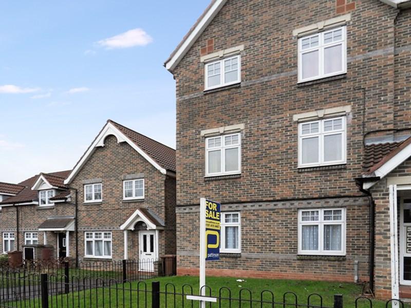 2 Bedrooms Apartment Flat for sale in Drumaldrace, Washington, Washington, Tyne & Wear, NE37 1SR