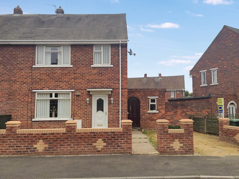 3 Bedrooms Property for sale in Sheriffs Moor Avenue, Easington Lane, Houghton le Spring, Tyne & Wear, DH5 0PB