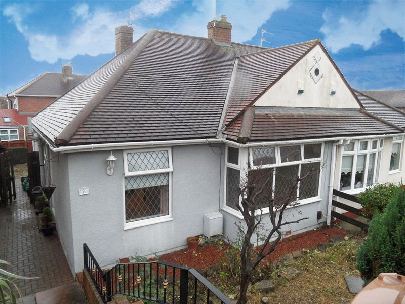 2 Bedrooms Bungalow for sale in Joan Avenue, grangetown, Sunderland, Tyne & Wear, SR2 9TA