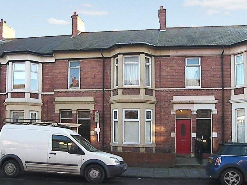 2 Bedrooms Property for sale in Trevor Terrace, North Shields, North Shields, Tyne & Wear, NE30 2DF