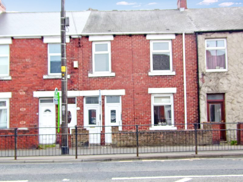 3 Bedrooms Property for sale in Station Avenue South, Fencehouses, Houghton Le Spring, Tyne & Wear, DH4 6HW