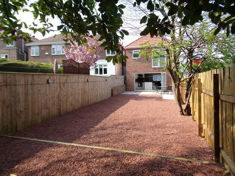 3 Bedrooms Property for sale in Oakfield Road, Lobley hill, Gateshead, Tyne & Wear, NE11 0AA