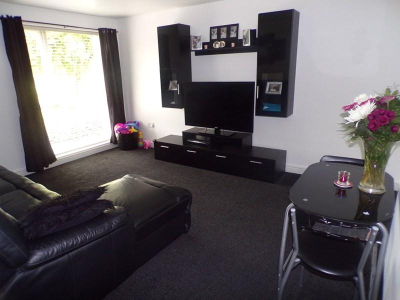2 Bedrooms Property for sale in Merrington Close, Moorside, Sunderland, Tyne & Wear, SR3 2QE
