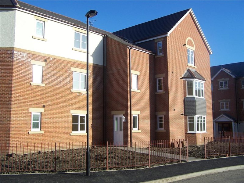 2 Bedrooms Apartment Flat for sale in Haydon Drive, Howdon, Wallsend, Tyne & Wear, NE28 0BH