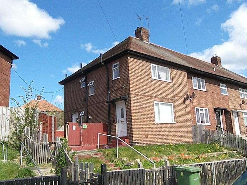 3 Bedrooms Property for sale in Polmuir Road, Plains Farm, Sunderland, Tyne & Wear, SR3 1QF
