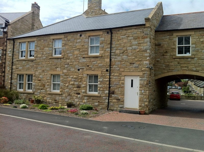2 Bedrooms Apartment Flat for sale in Park View, Alnwick, Alnwick, Northumberland, NE66 1SA
