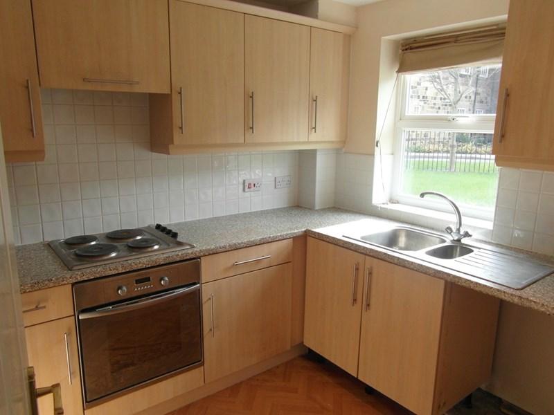 2 Bedrooms Apartment Flat for sale in Ord Court, Fenham, Newcastle Upon Tyne, Tyne & Wear, NE4 9YF