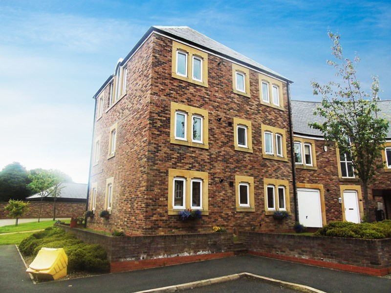 2 Bedrooms Apartment Flat for sale in Mansion Heights, Whickham, Gateshead, Tyne & Wear, NE11 9DL