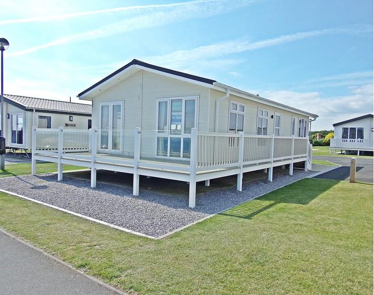 2 Bedrooms Bungalow for sale in Caravan Park Coast Road, Crimdon, Hartlepool, Durham, TS27 4BN