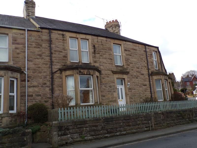 4 Bedrooms Property for sale in Leazes Crescent, Hexham, Hexham, Northumberland, NE46 3JZ