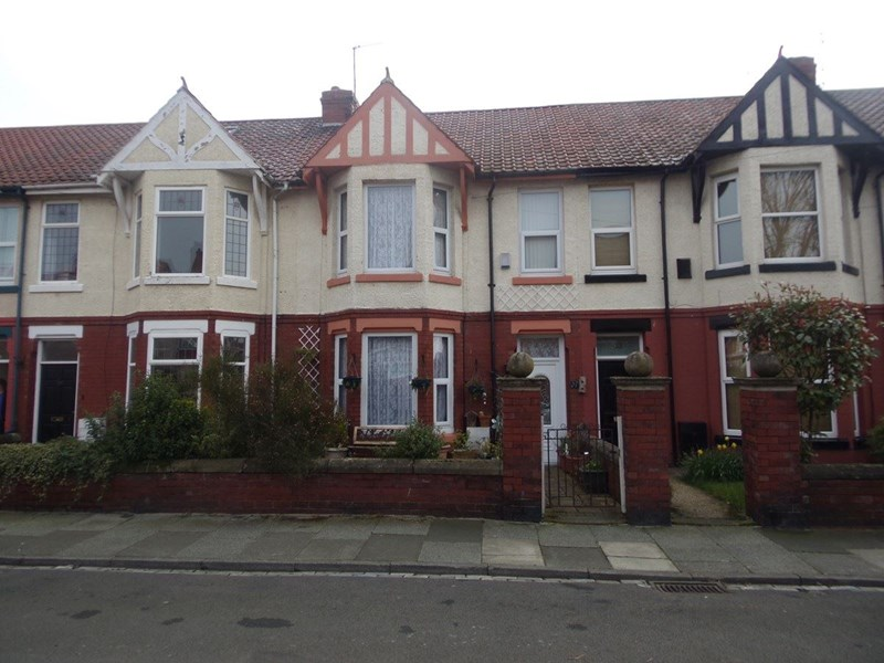 4 Bedrooms Property for sale in Granville Avenue, Hartlepool, Hartlepool, Durham, TS26 8ND