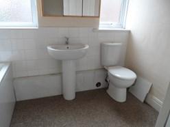 Image of Additional bathroom photo