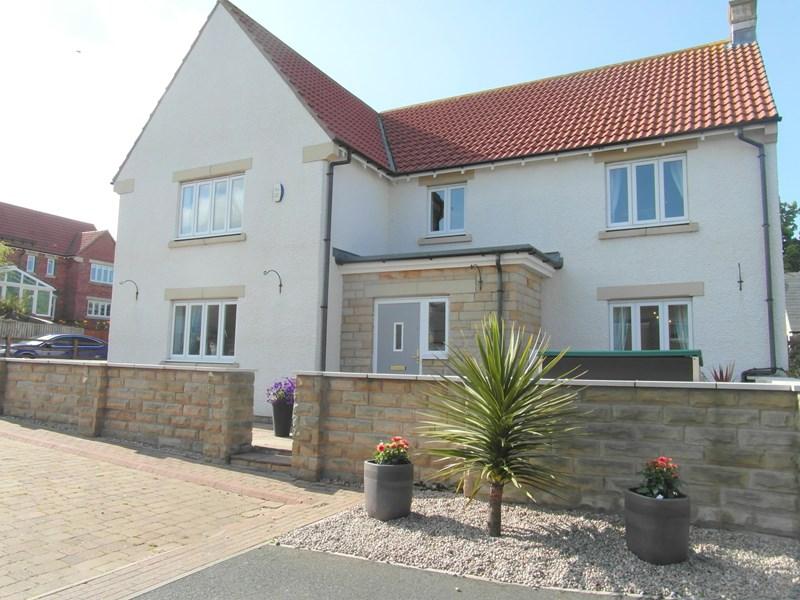 5 Bedrooms Property for sale in East Moor, Longhoughton, Alnwick, Northumberland, NE66 3JB
