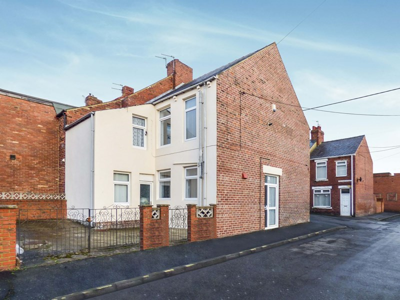 3 Bedrooms Property for sale in Bircham Street, Stanley, Stanley, Durham, DH9 7AE