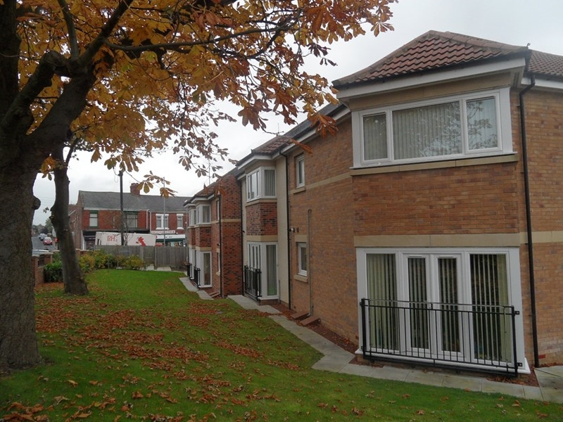 2 Bedrooms Apartment Flat for sale in Ford Lodge, South Hylton, Sunderland, Tyne and Wear, SR4 0QF
