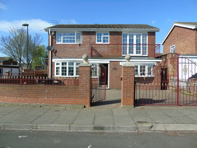 4 Bedrooms Property for sale in Catton Place, Wallsend, Tyne and Wear, NE28 9UF