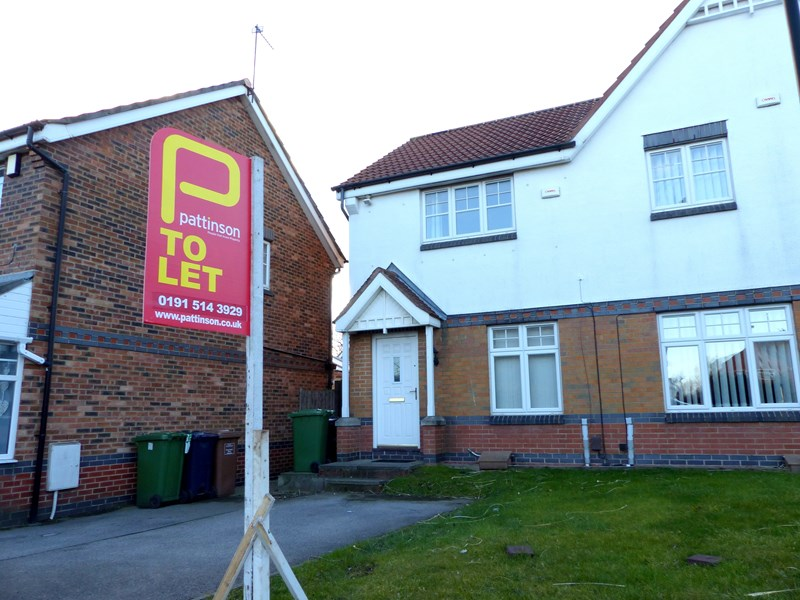 2 Bedrooms Property for sale in Crosthwaite Grove, Hylton Castle , Sunderland, Tyne and Wear, SR5 3SR