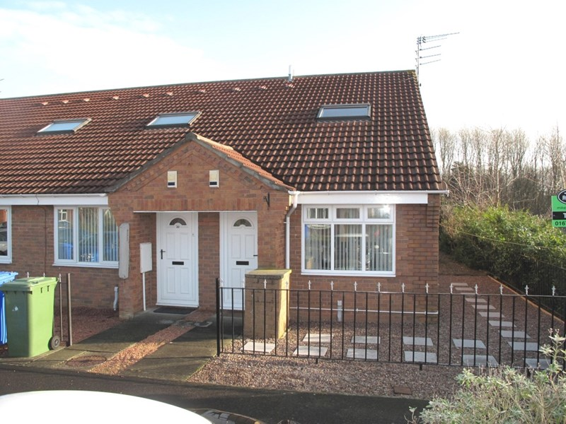 1 Bedroom Bungalow for sale in Drybeck Court, Cramlington, Northumberland, NE23 2GB