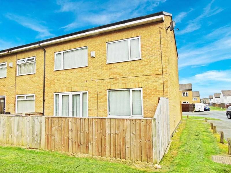 3 Bedrooms Property for sale in Pentland Close, Peterlee, Peterlee, Durham, SR8 2LE