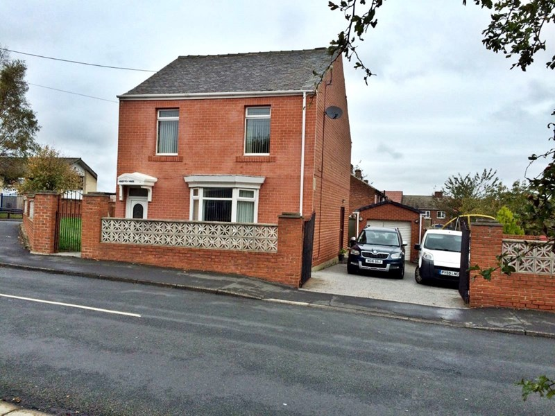 3 Bedrooms Property for sale in Woods Terrace, Murton, Murton, Durham, SR7 9AG