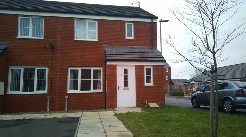 3 Bedrooms Property for sale in Grenville Road, South Shore, Blyth, Northumberland, NE24 3UR