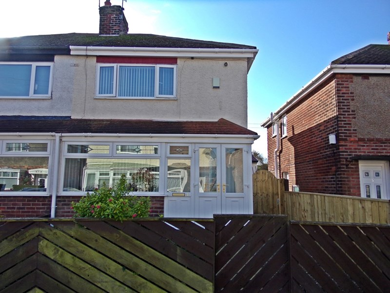 2 Bedrooms Property for sale in The Grove, Easington, Peterlee, Durham, SR8 3BU