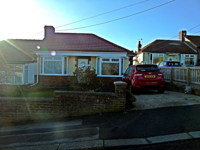 2 Bedrooms Bungalow for sale in Shotton Road, Horden, Horden, Durham, SR8 4QZ