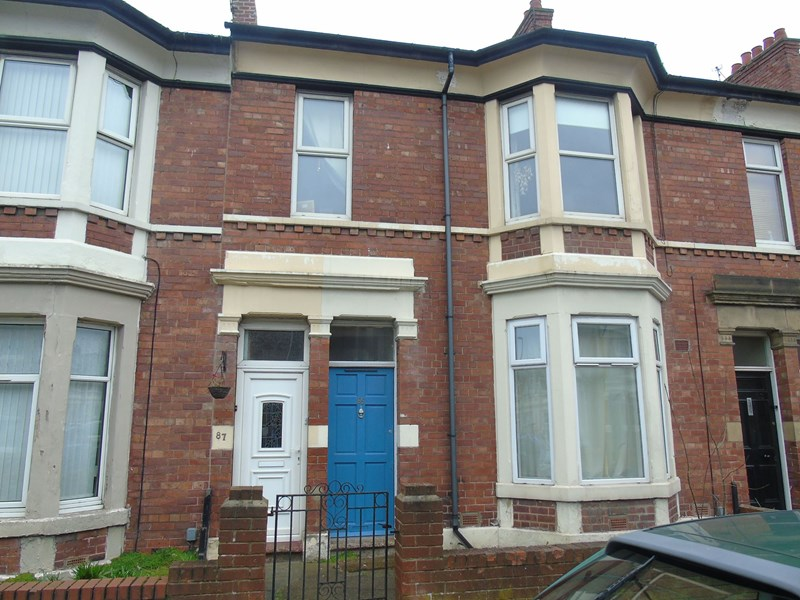 3 Bedrooms Property for sale in Trevor Terrace, North Shields, Tyne and Wear, NE30 2DF