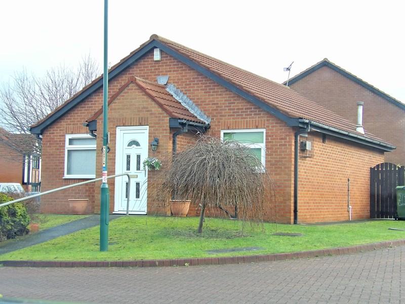 2 Bedrooms Bungalow for sale in Beaconside, Marsden , South Shields, Tyne and Wear, NE34 7PU