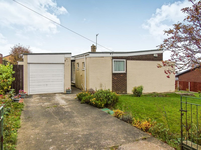 4 Bedrooms Bungalow for sale in Mickle Hill Road, Blackhall Colliery, Hartlepool, Durham, TS27 4DF