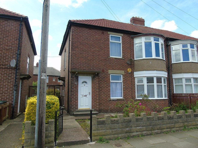 2 Bedrooms Property for sale in Balkwell Avenue, North Shields, Tyne and Wear, NE29 7JN