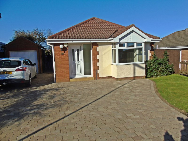 2 Bedrooms Bungalow for sale in Weymouth Drive, Seaham, Durham, SR7 8DF