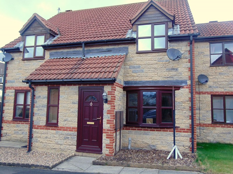 2 Bedrooms Property for sale in St. Cuthberts Walk, Langley Moor, Durham, Durham, DH7 8YA