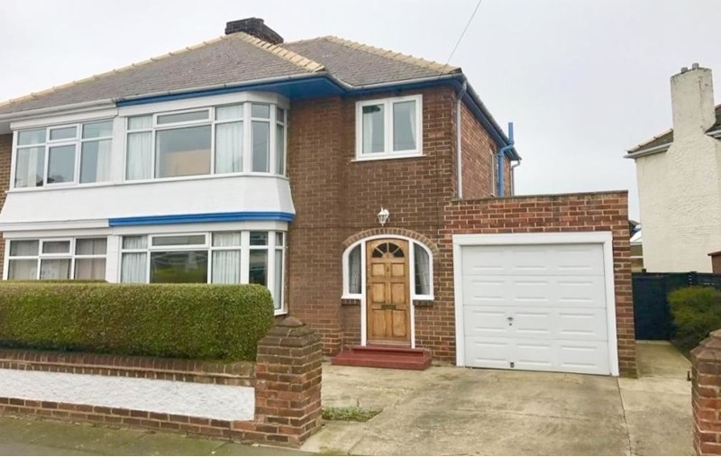 3 Bedrooms Property for sale in Whitton Road, Fairfield, Stockton-on-Tees, Cleveland, TS19 7EE