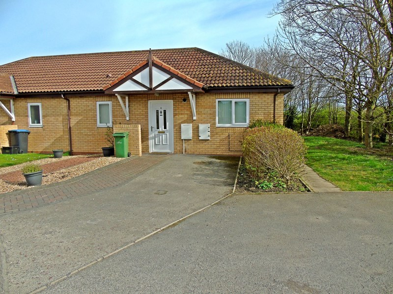 1 Bedroom Bungalow for sale in Yoden Bungalows, Blackhall, Hartlepool, Durham, TS27 4NZ