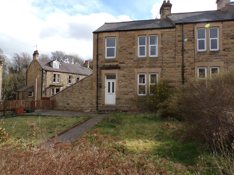 4 Bedrooms Property for sale in Crescent Avenue, Hexham, Northumberland, NE46 3DP