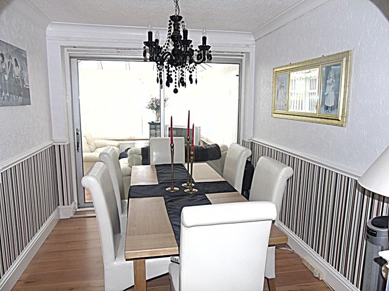 4 Bedrooms Property for sale in Silverdale Drive, Winlaton, Blaydon-on-Tyne, Tyne and Wear, NE21 6EN