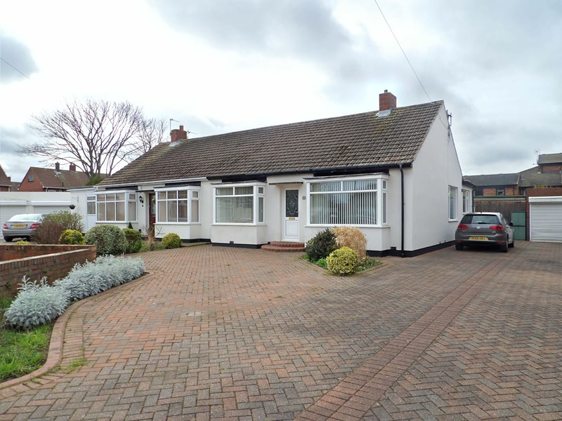 2 Bedrooms Bungalow for sale in Ridley Grove, Harton, South Shields, Tyne and Wear, NE34 6RN
