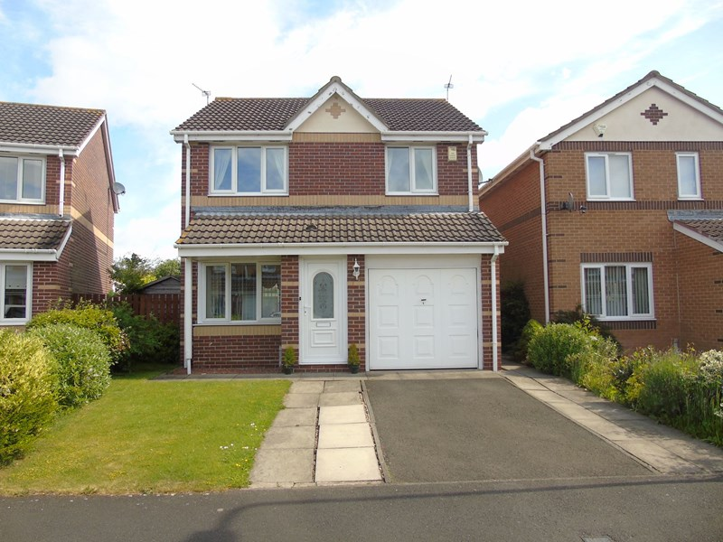 3 Bedrooms Property for sale in Larchwood Drive, Ashington, Northumberland, NE63 9FG