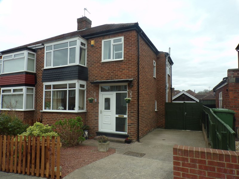 3 Bedrooms Property for sale in Bromley Road, Hartburn , Stockton-on-Tees, Durham, TS18 4HE