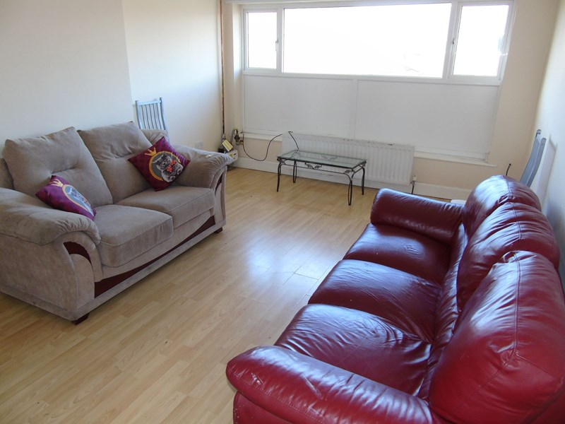 2 Bedrooms Property for sale in Belsay Gardens, Red House Farm, Newcastle upon Tyne, Tyne and Wear, NE3 2AU